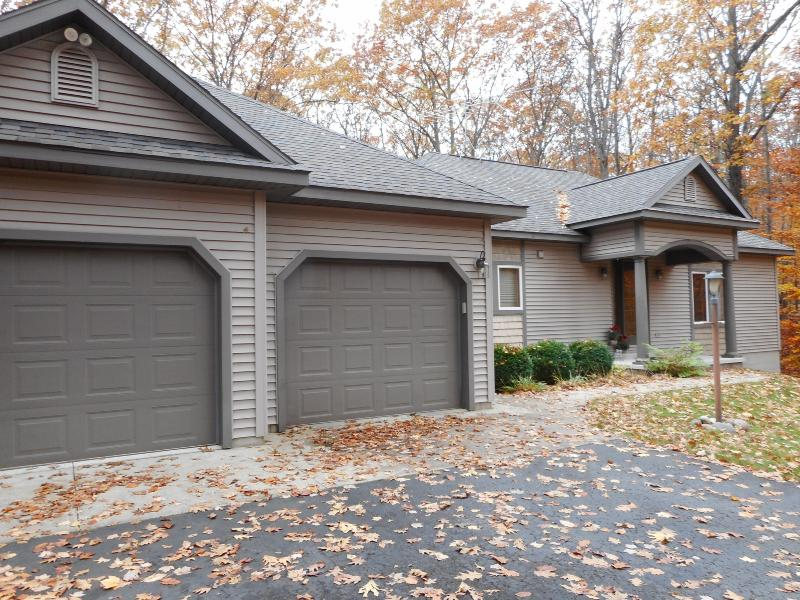 Listing Photo for 5460 Choctaw Court