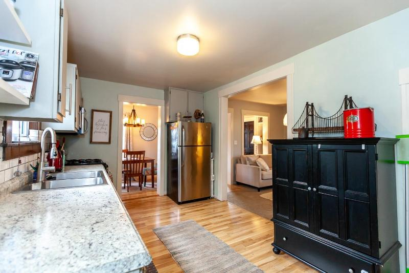 Listing Photo for 243 E Ann Arbor Trail