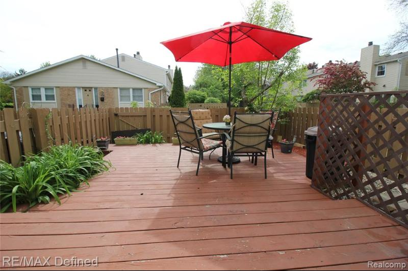 Listing Photo for 5333 Breeze Hill Pl