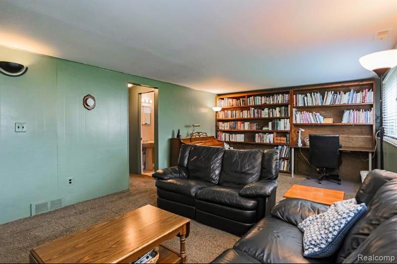 Listing Photo for 32801 Comanche St