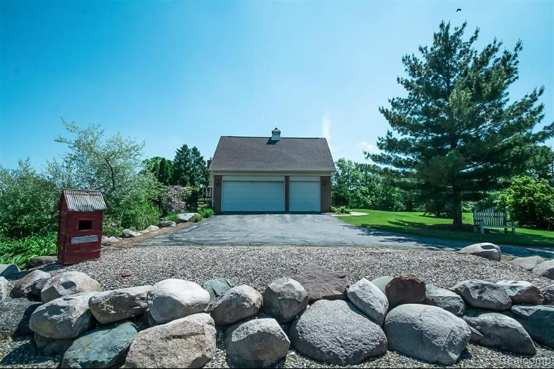 Listing Photo for 1672 W Hunters Creek Rd