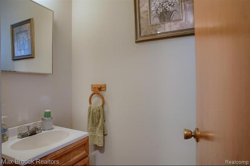 Listing Photo for 1225 Jenifer Ave
