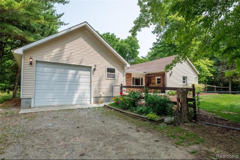 Listing Photo for 2425 E Dryden Rd