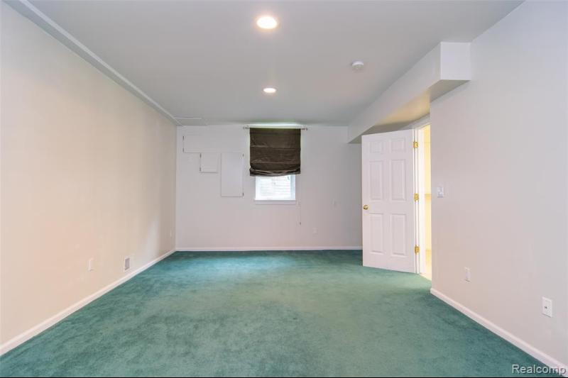 Listing Photo for 2610 Hunters Blf