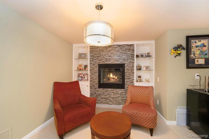 Listing Photo for 63676 Georgetowne E