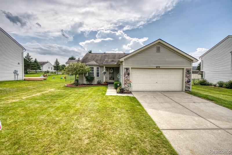 Listing Photo for 699 Andover Woods Dr