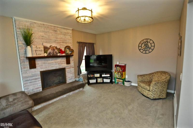 Listing Photo for 47069 Sanborn