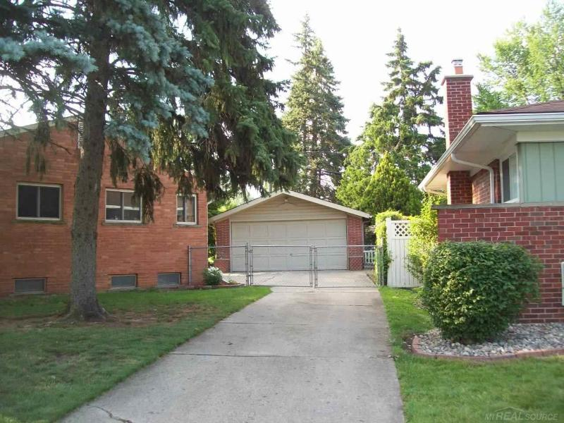 Listing Photo for 32544 GRINSELL