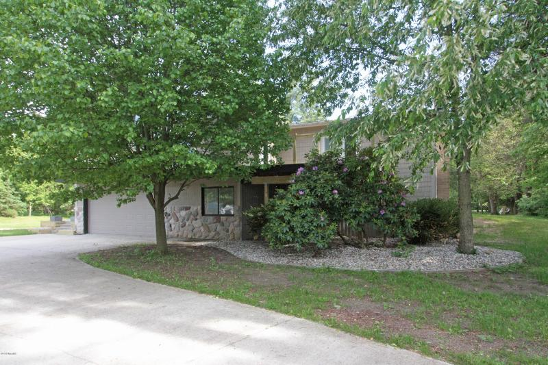 Listing Photo for 122 Bacon Street