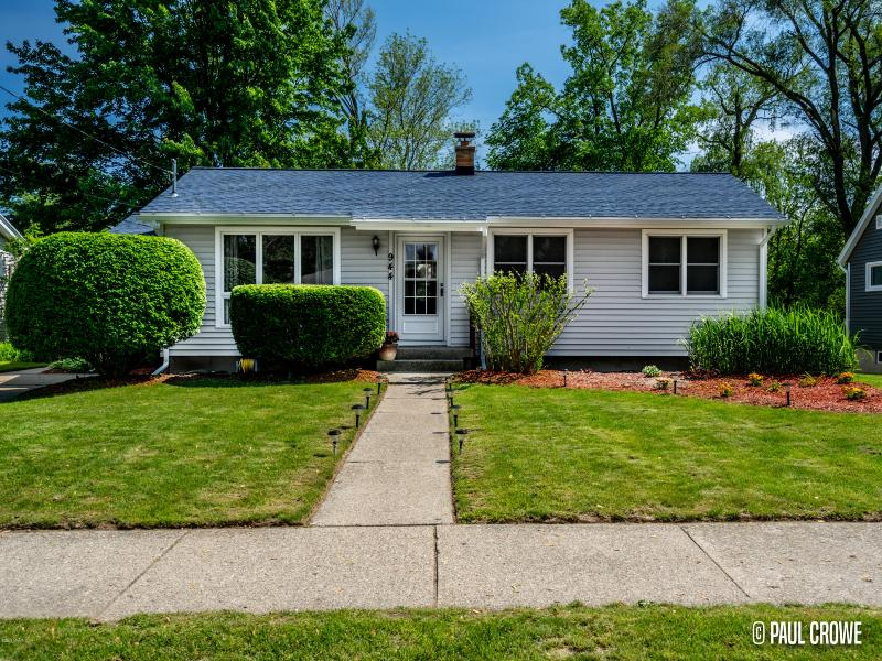 Listing Photo for 944 Sluyter Street