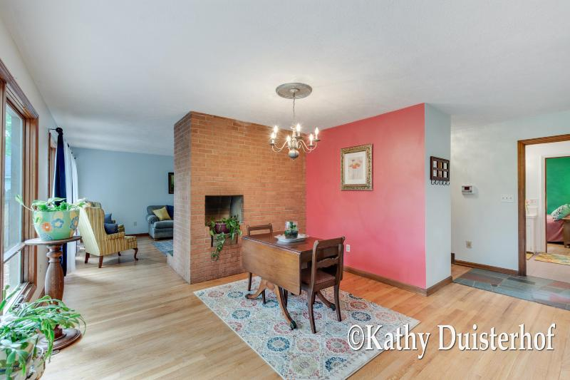 Listing Photo for 1625 Ridgeview Street