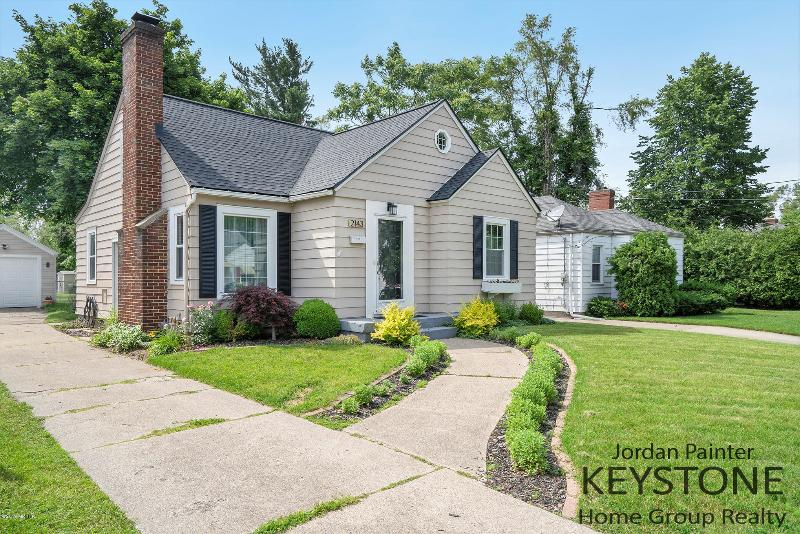 Listing Photo for 2143 Houseman Avenue
