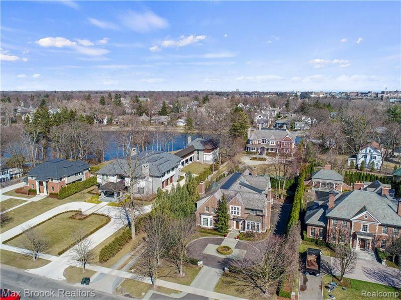 Listing Photo for 200 Lake Park Dr
