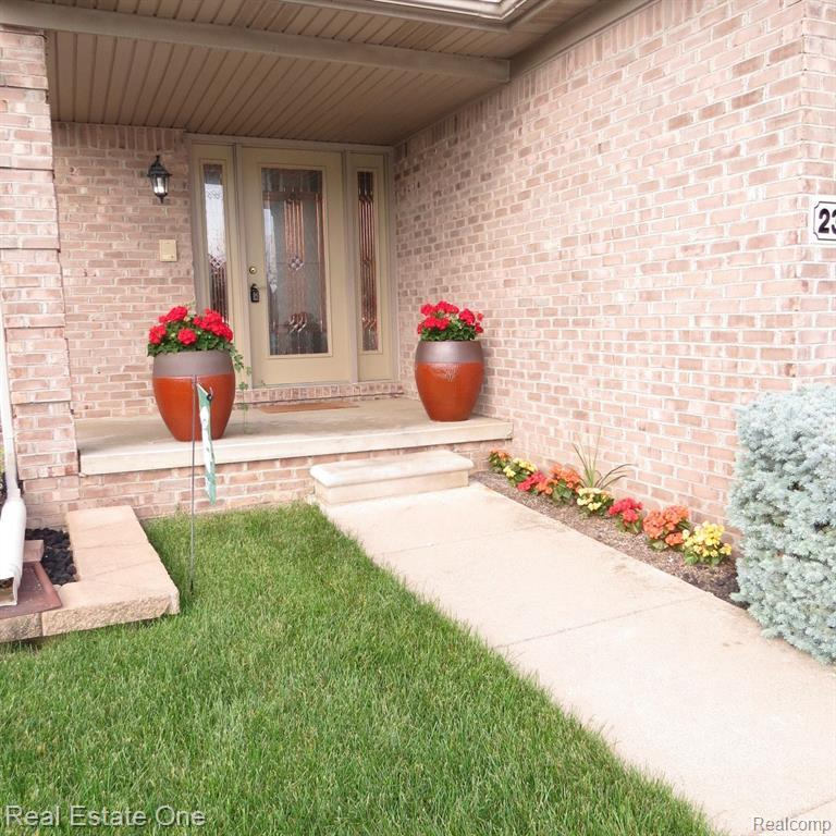 Listing Photo for 23117 Leighwood Dr