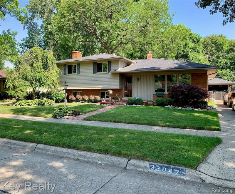 Listing Photo for 33042 Barkley St