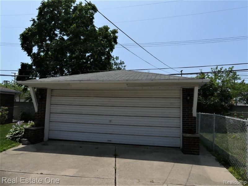 Listing Photo for 15409 Meyer Ave