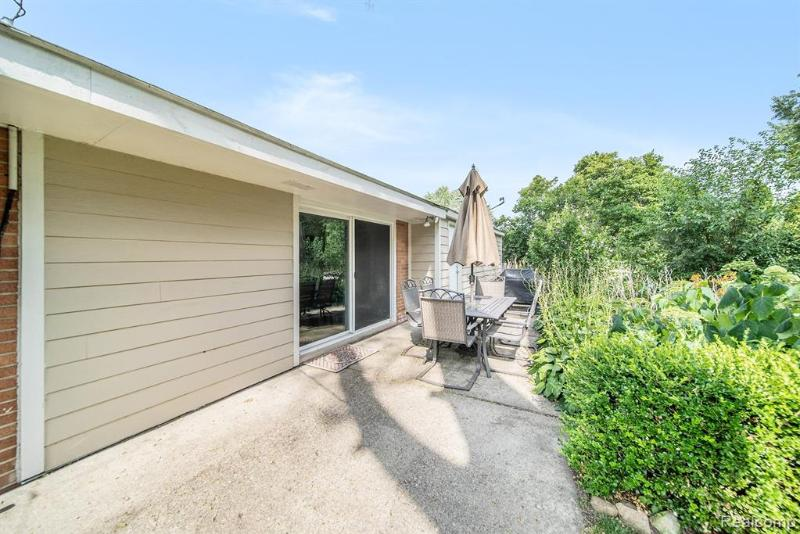 Listing Photo for 40991 Mooringside