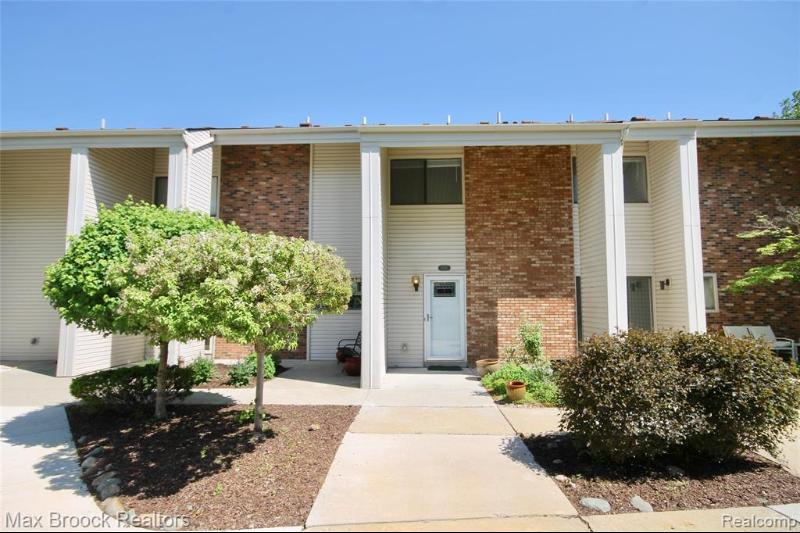 Listing Photo for 6156 Palomino Crt