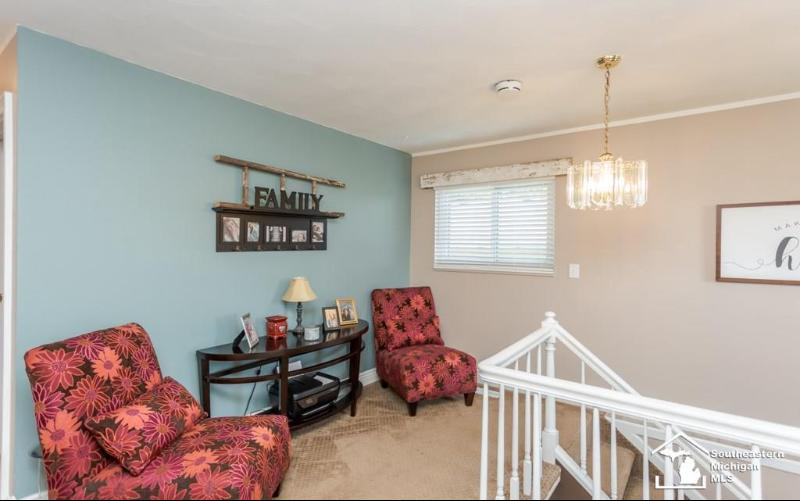 Listing Photo for 1237 Huber