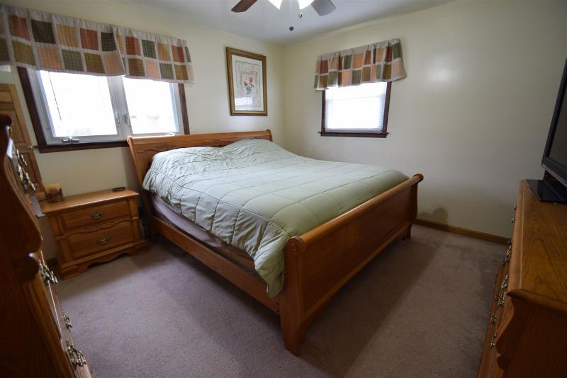 Listing Photo for 908 Bangor