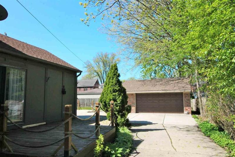 Listing Photo for 837 Fisher