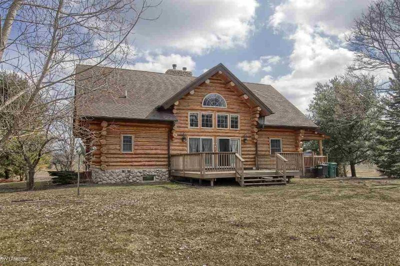 Listing Photo for 211 Pine River Rd