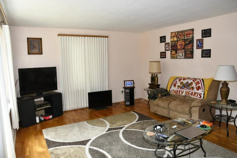 Listing Photo for 809 Cotter