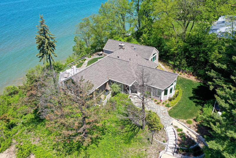 Listing Photo for 4315 Lake Shore Drive