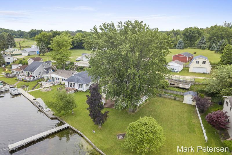 Listing Photo for 711 Thompson Drive