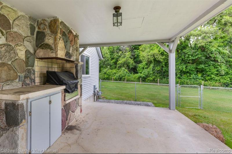 Listing Photo for 1972 Pine Valley Crt