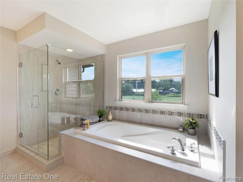 Listing Photo for 1078 Queensboro Dr