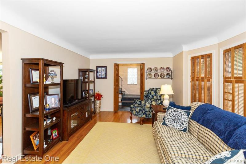 Listing Photo for 3632 Betsy Ross Dr