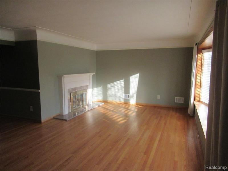 Listing Photo for 1008 Pagel Ave