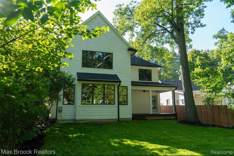 Listing Photo for 1210 N Vermont Ave