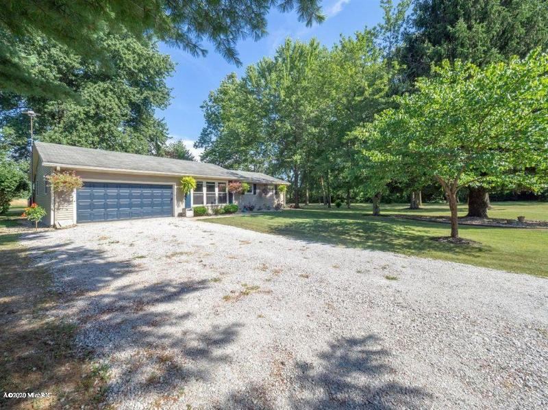 Listing Photo for 15141 Algonquin Road