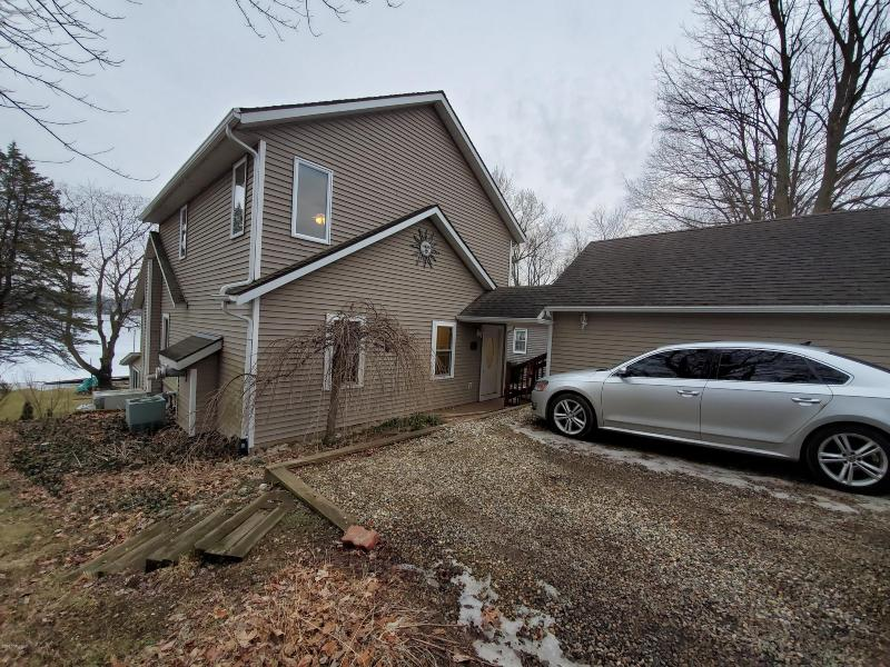 Listing Photo for 91431 M-40