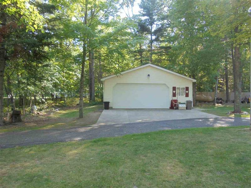 Listing Photo for 2474 S Roscommon Road
