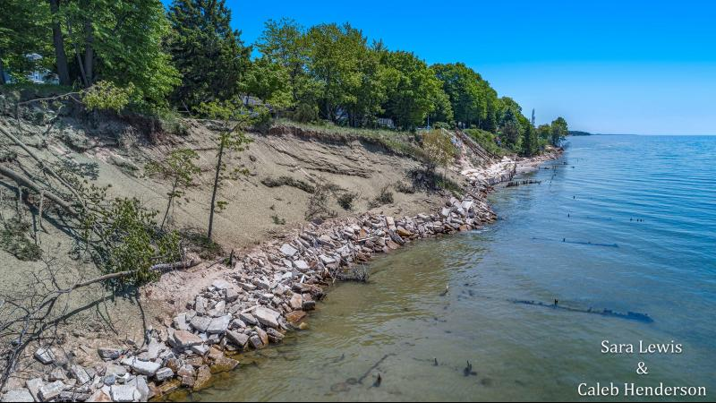 Listing Photo for 6141 Lakeshore Avenue