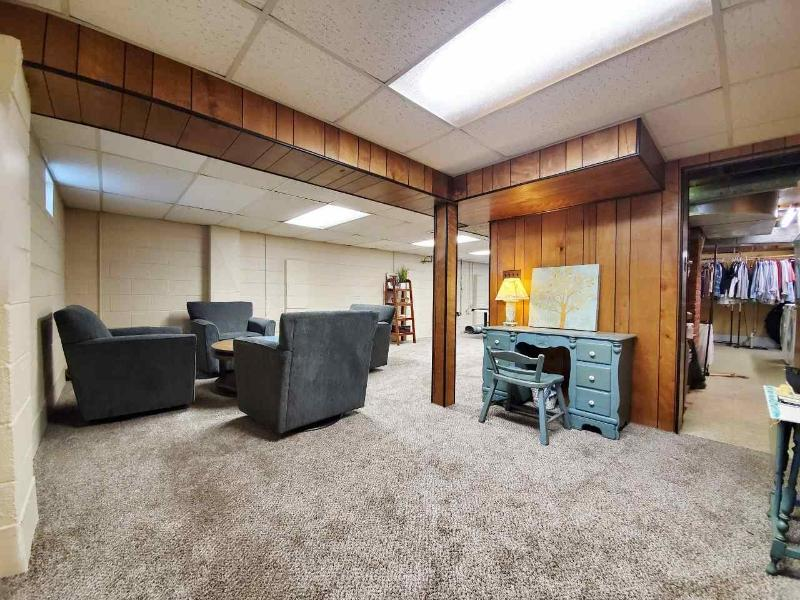 Listing Photo for 1530 Westlawn