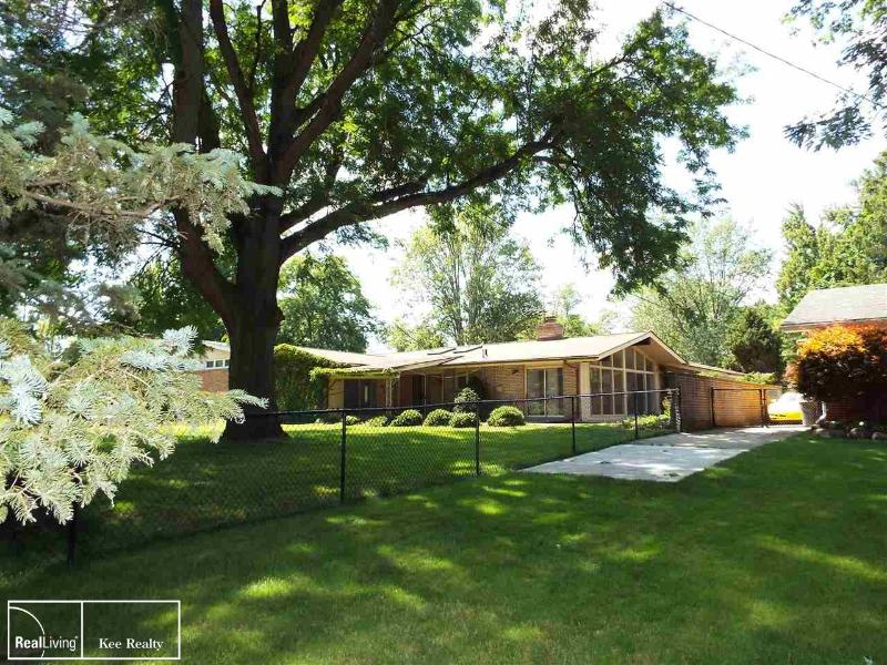 Listing Photo for 256 Wellington Crescent